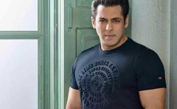 Salman Khan Visits Mumbai