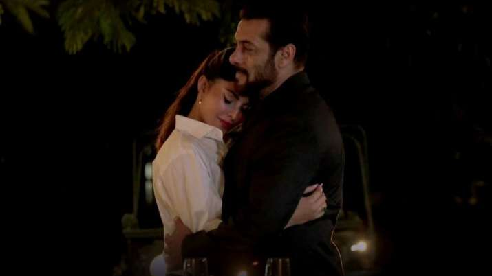 Salman Khan and Jacqueline Fernandez's Tere Bina Out