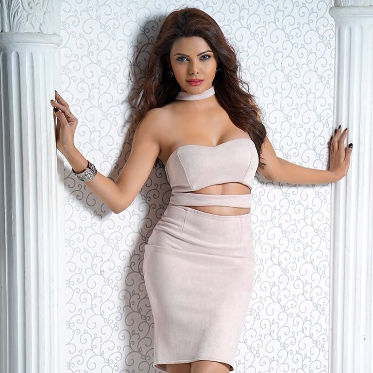 Sherlyn Chopra nude photos: 50+ bold, sizzling, sultry