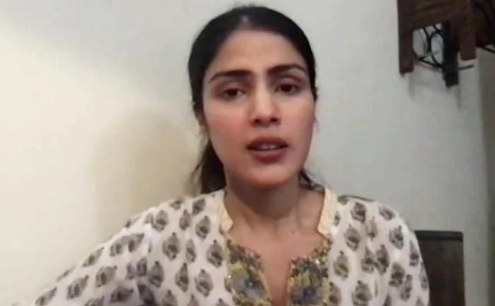 Rhea Chakraborty slapped