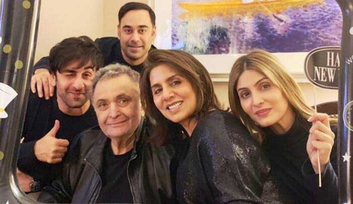 Rishi Kapoor with family