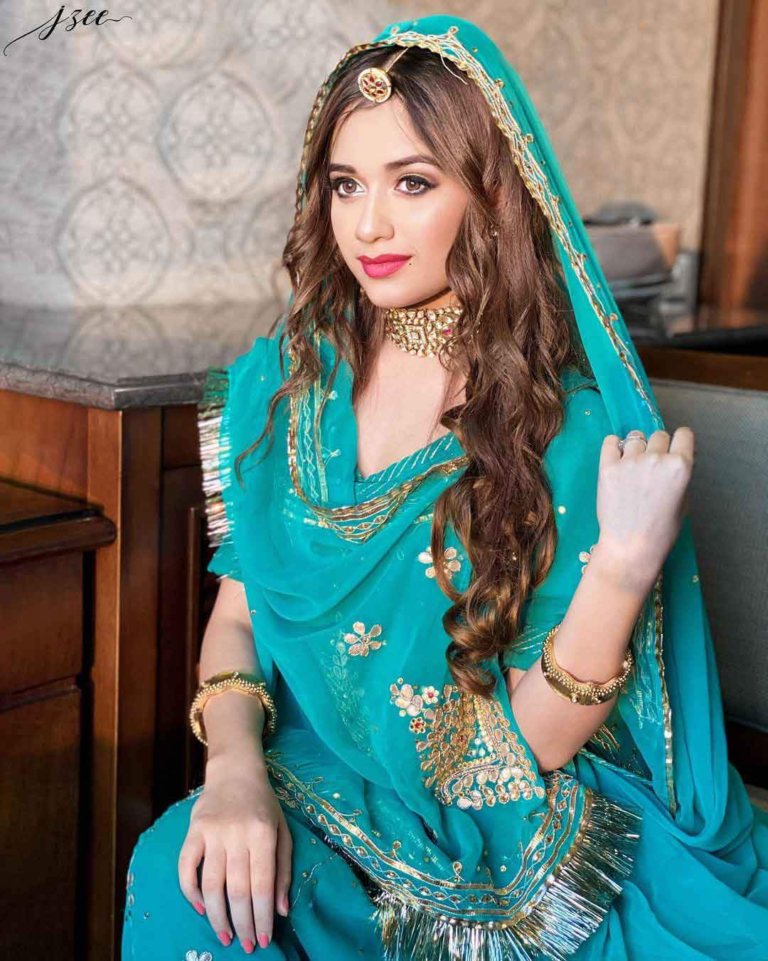 jannat-zubair-gorgeous-traditional-dress-photos